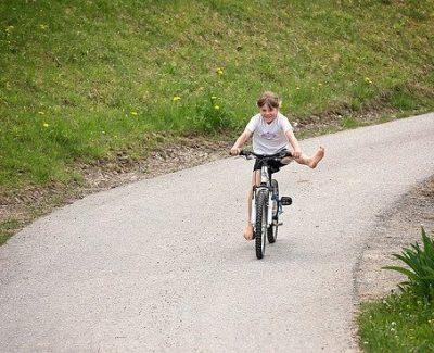 enfant libre vélo